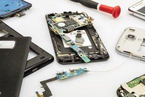 Včasih potrebujemo iPhone servis za zahtevnejša popravila